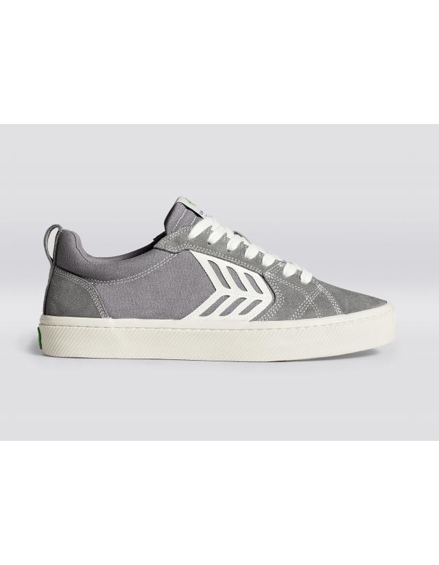 Cariuma Catiba Pro - Charcoal Grey Contrast Thread - Skate Shoes  - Cover Photo 1